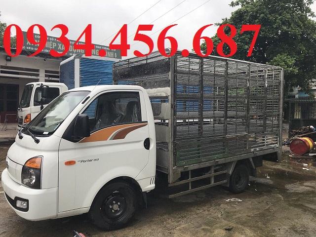 Giá xe tải Hyundai H150 thùng chở gà vịt 1.5 tấn