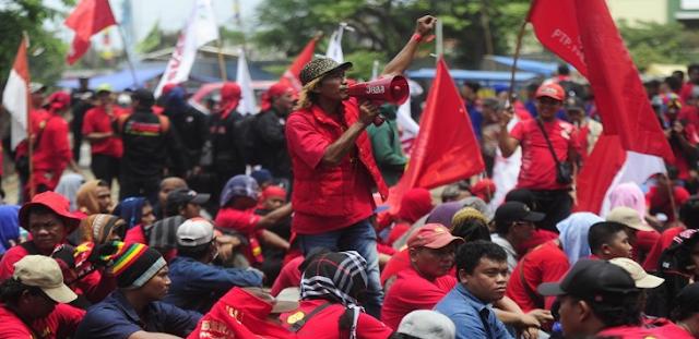 Jokowi Bakal Bisa 'Digulingkan' Saat Hari Buruh 1 Mei Gara-gara Perpres TKA