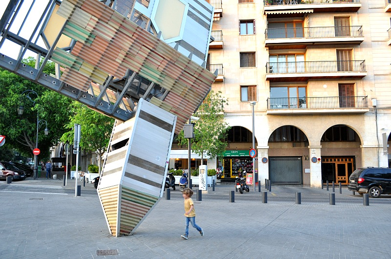 Do a sculpture trail in Palma with kids