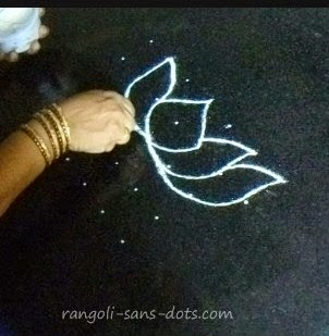 step-1-lotus-kolam.jpg