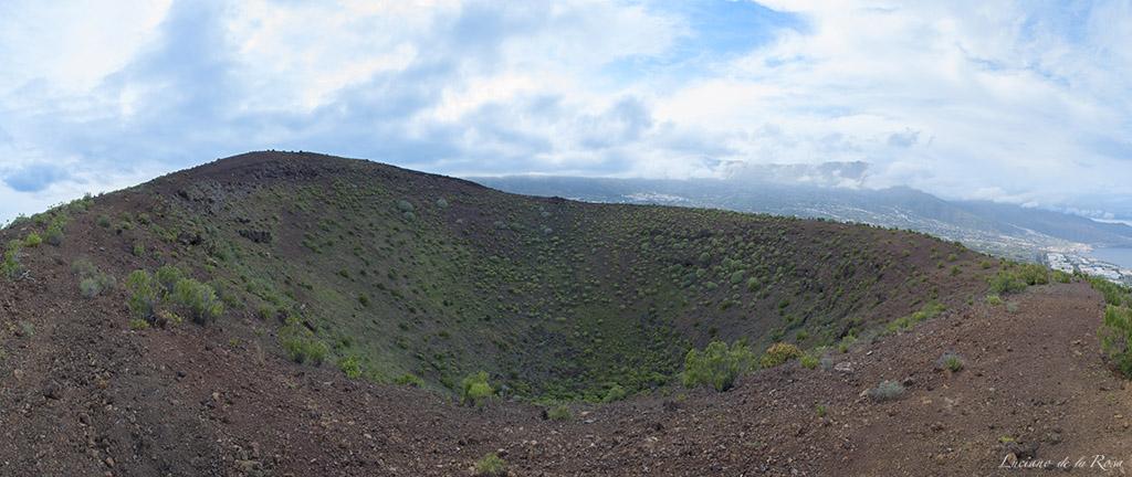 Crater del volcan Montaña Grande  o del Socorro en Güímar (Tenerife)