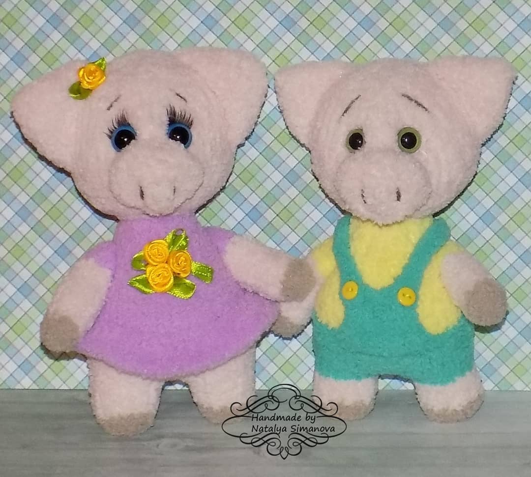 Вязаные игрушки свинки спицами