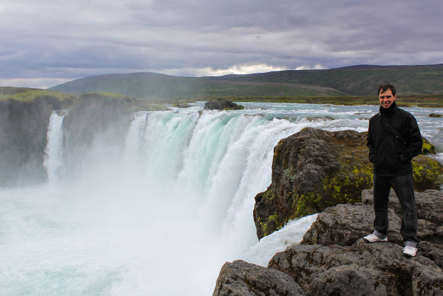 Al borde de Godafoss
