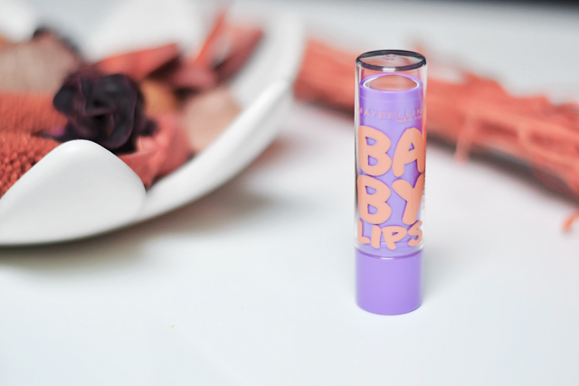 Turn it inside out // Maybelline baby lips peach kiss