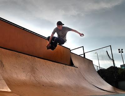 Tony Teh aggressive inline blading air mute grab
