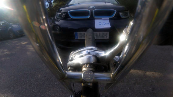 Distancia bici a coche 0,0 metros