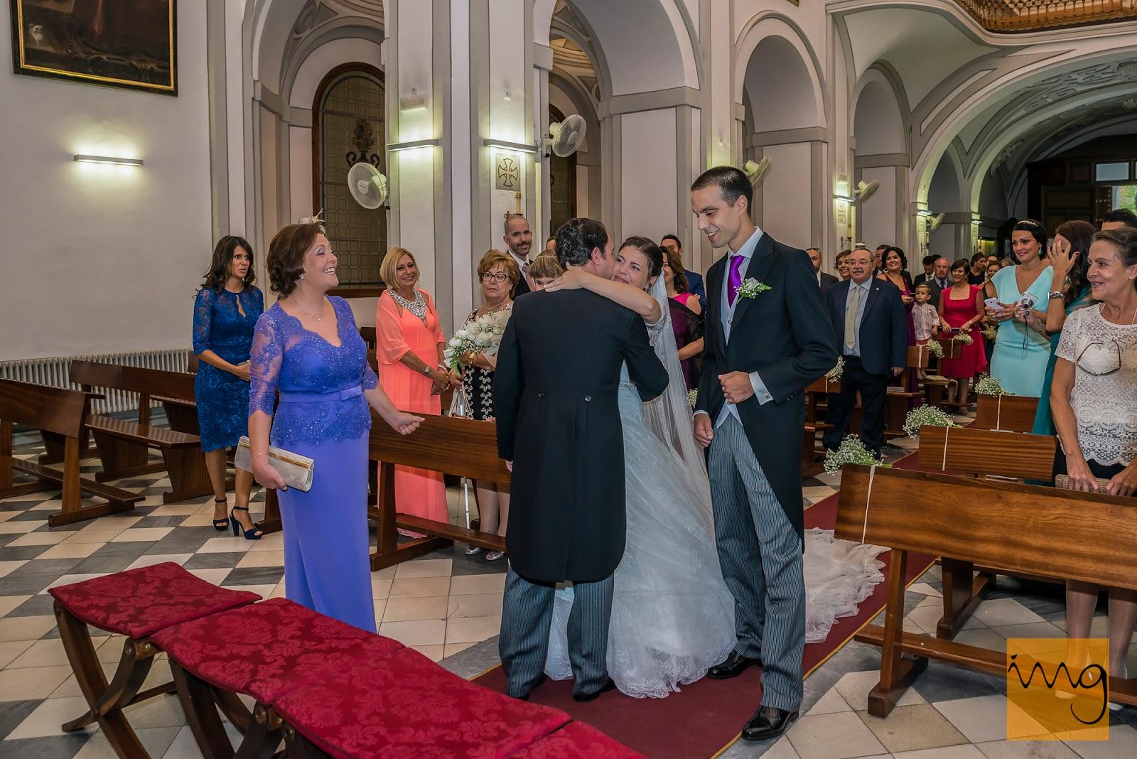 Fotografía de boda, primer abrazo
