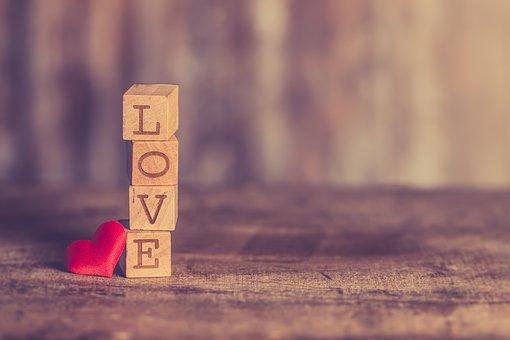 Τι-είναι-αγάπη;