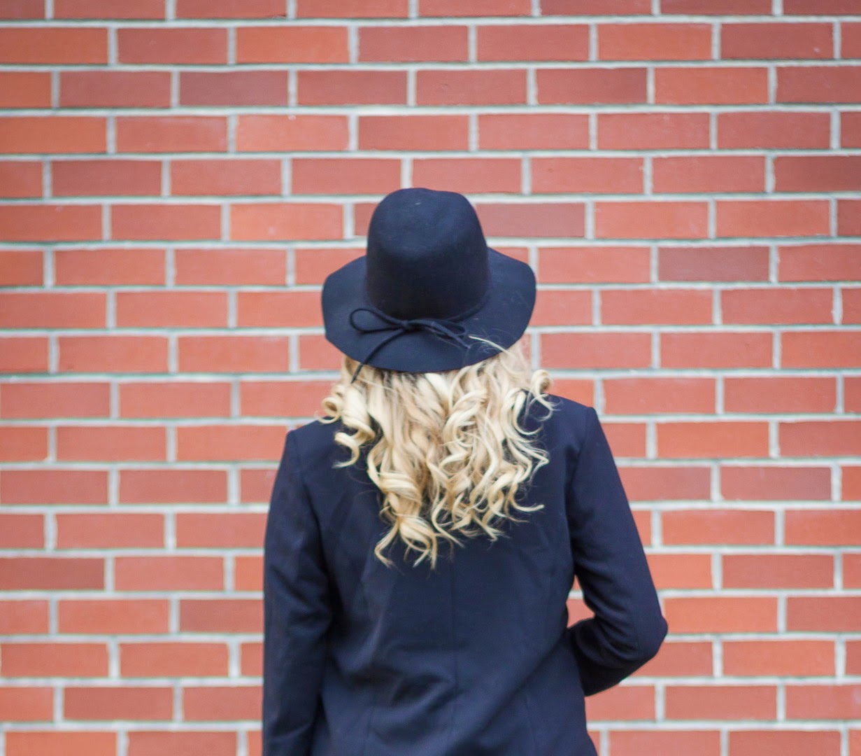 what-to-wear-with-a-floppy-hat
