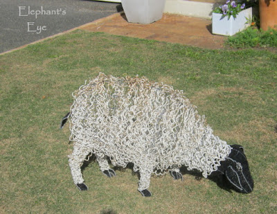 Bead and wire sheep