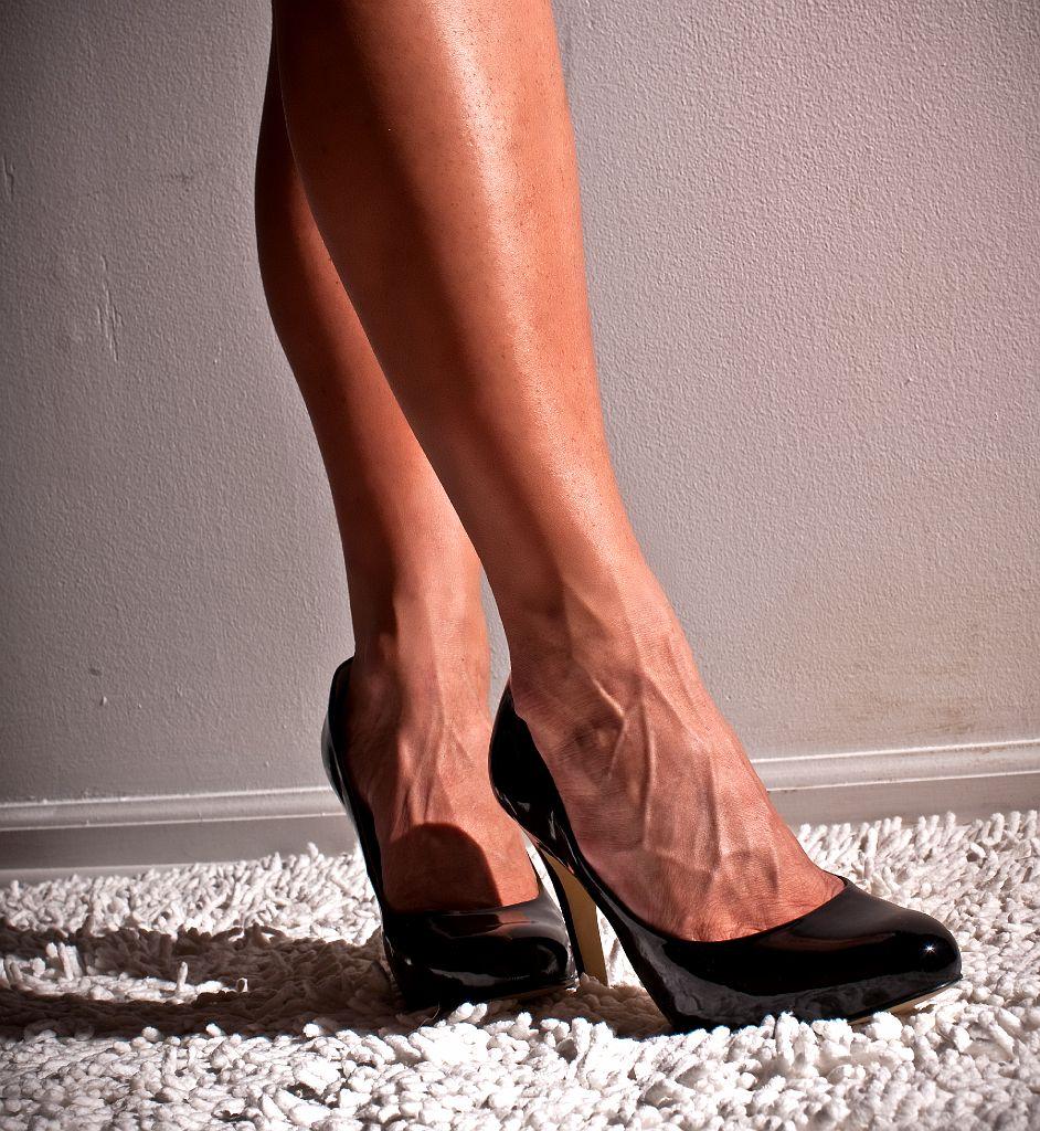 Veiny feet fetish
