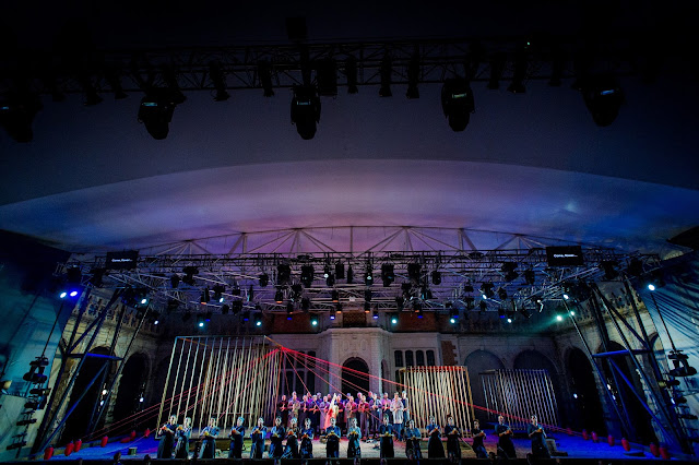 The Opera Holland Park Chorus in  Iris  at Opera Holland Park 2016. Photo Robert  Workman