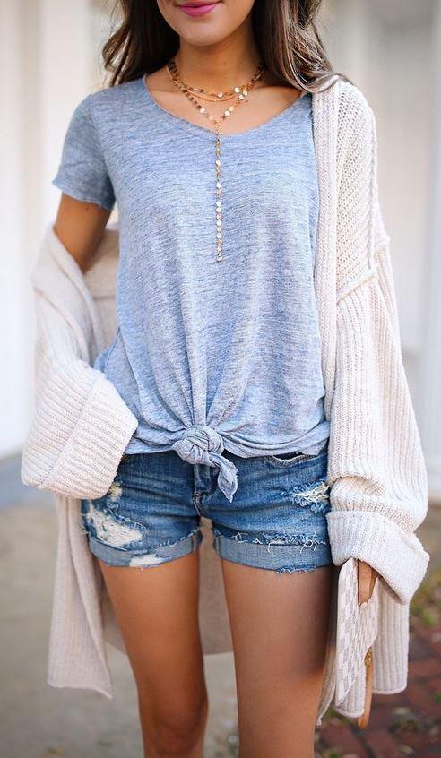 trendy outfit idea / t-shirt + cardigan + denim shorts