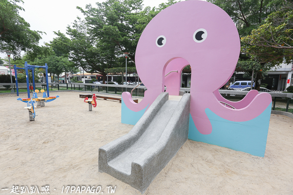 台中太平|新坪公園|可愛粉紅章魚溜滑梯|沙坑|平衡木樁|特色公園|親子景點|12感官遊具