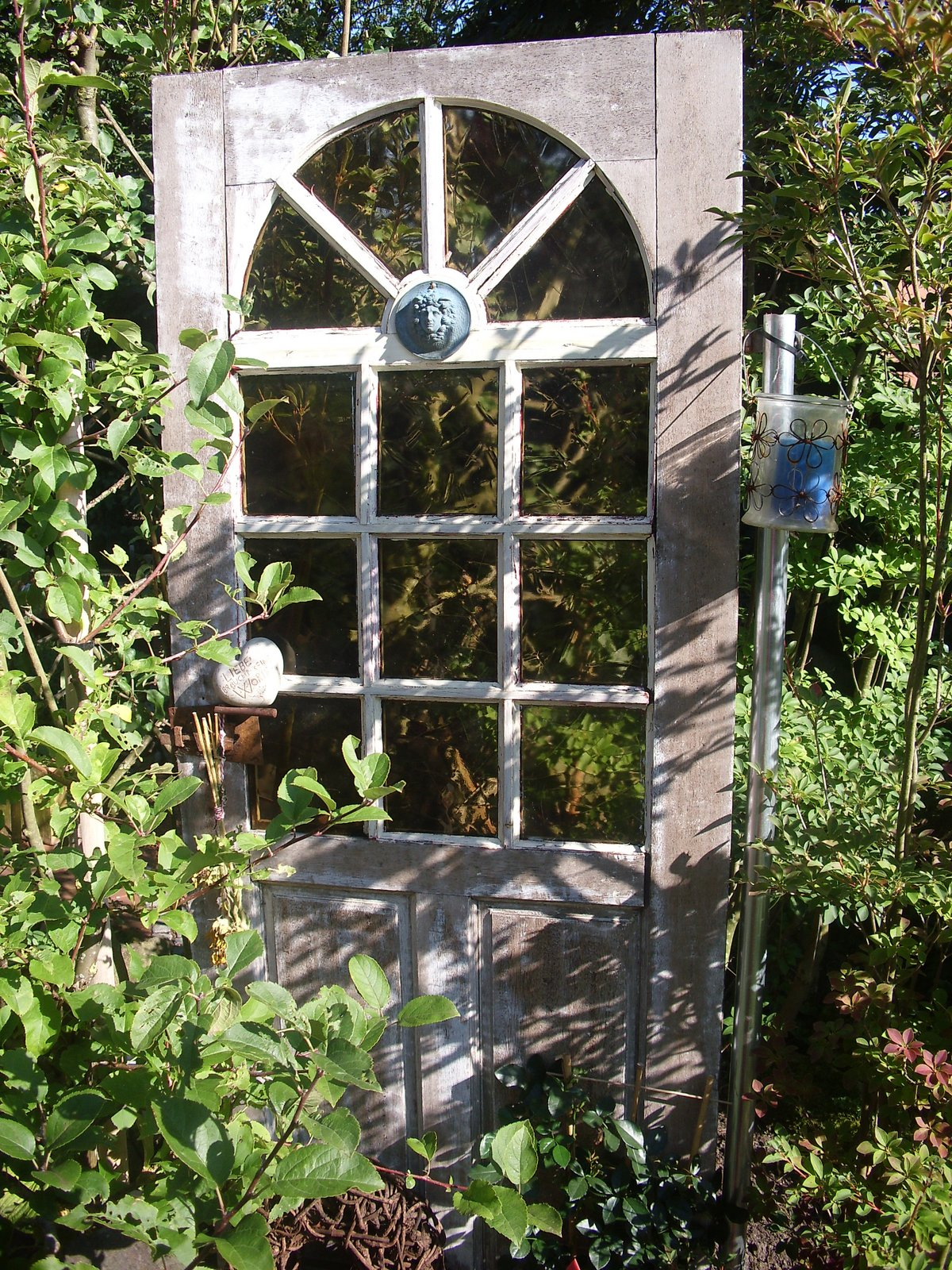 Neu Alte Fenster Als Deko Im Garten Design
