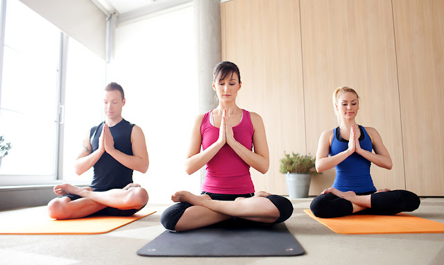 Pozitii yoga de baza