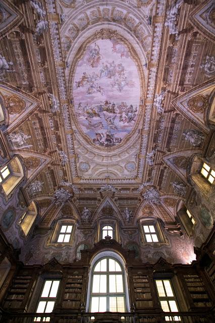 Biblioteca-Complesso monumentale dei Girolamini-Napoli