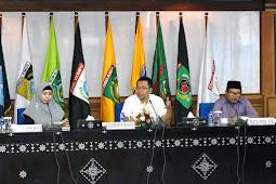 Pimpin Rapat, Gubernur Sampaikan Sejumlah Arahan