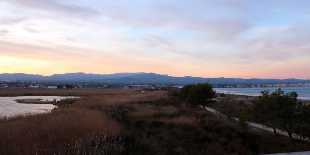 Laguna y mar desde el mirador de la laguna de les Olles