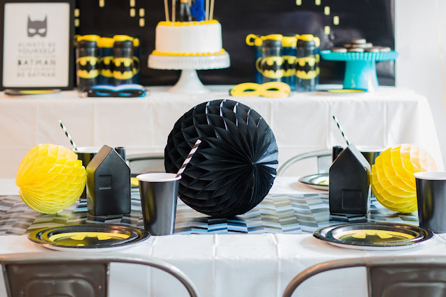 Modern Batman Party Tablescape