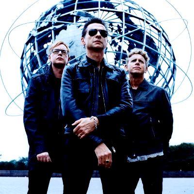 Foto de Depeche Mode posando para fans