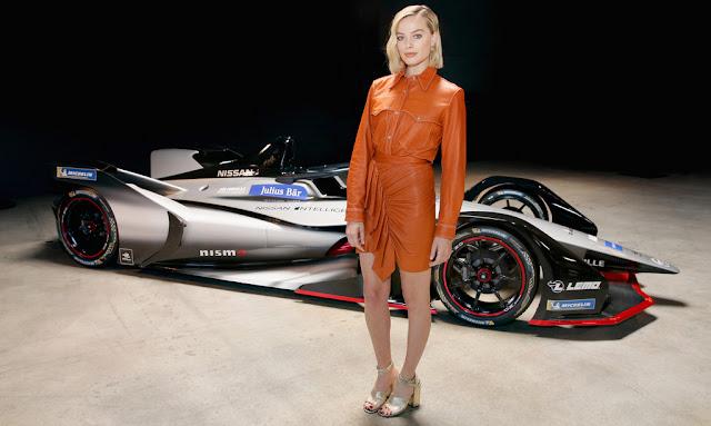La actriz nominada al Premio de la Academia, Margot Robbie, encabeza el evento de la gira de lanzamiento de Fórmula E de Nissan