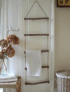 Porta toallas con ramas y sogas