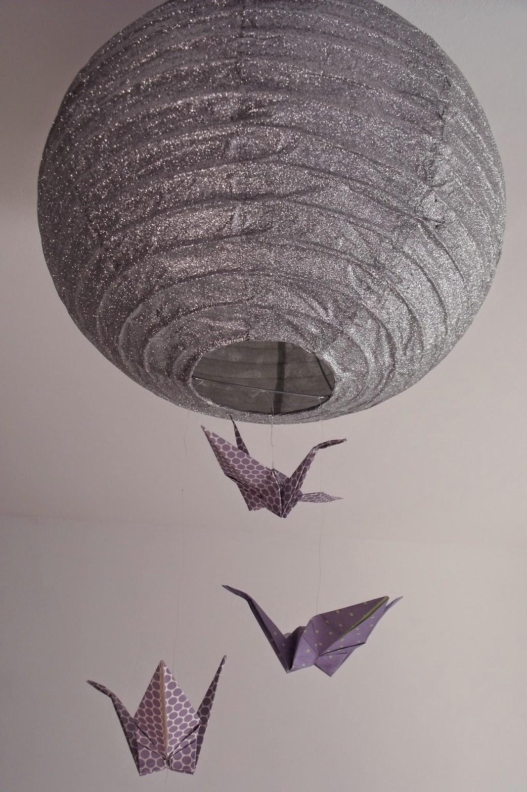 lili joue maman bricole boule japonaise et origami. Black Bedroom Furniture Sets. Home Design Ideas