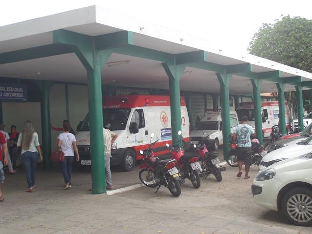 População reclama do atendimento do Hospital Dirceu Arcoverde ...