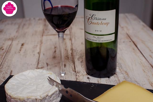 Plateau de fromages accompagné d'un Château Canteloup
