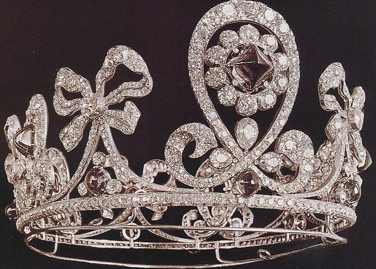 تيجان ملكية  امبراطورية فاخرة Emerald%2BParure%2BTiara%2B%25281900%2529%2Bby%2BBolin%2Bfor%2BEmpress%2BAlexandra%2BFeodorovna%2B1