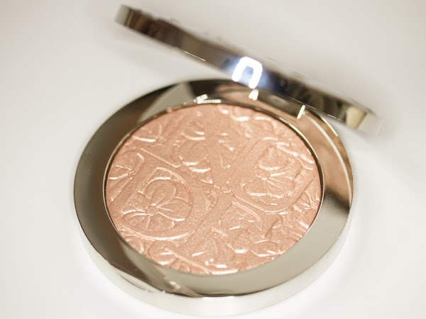 Diorskin Nude Air Glowing Gardens Illuminating Powder (review)