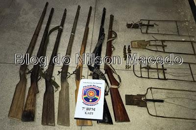 Policiais Militares do 7º BPM apreendem verdadeiro arsenal de armas de fogo em Bodocó - PE