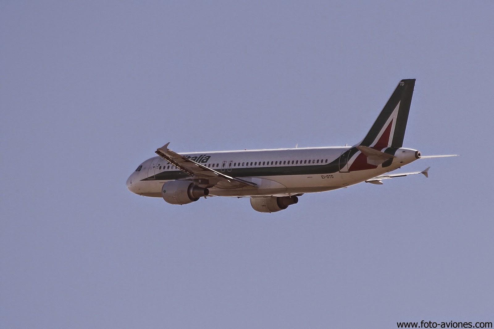Airbus A320 / EI-DTD