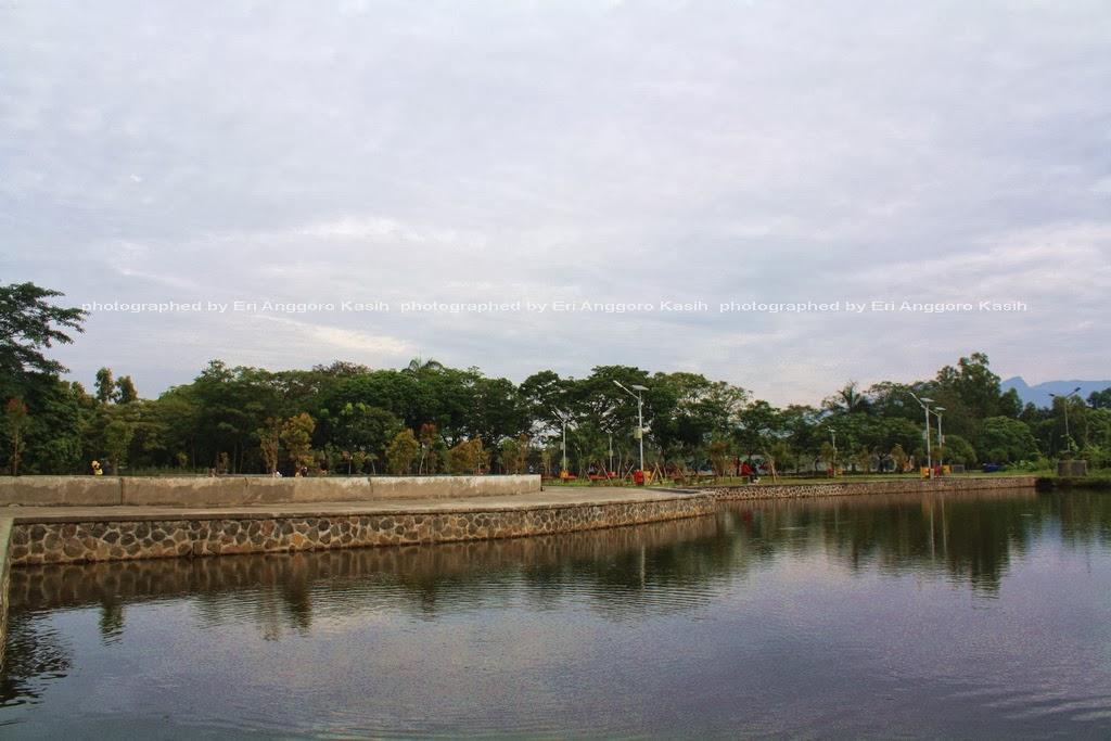 Danau Taman Dadaha di pusat kota