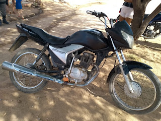 Moto com suspeição de roubo ou furto é recuperada pela Polícia Militar no distrito de Seridó