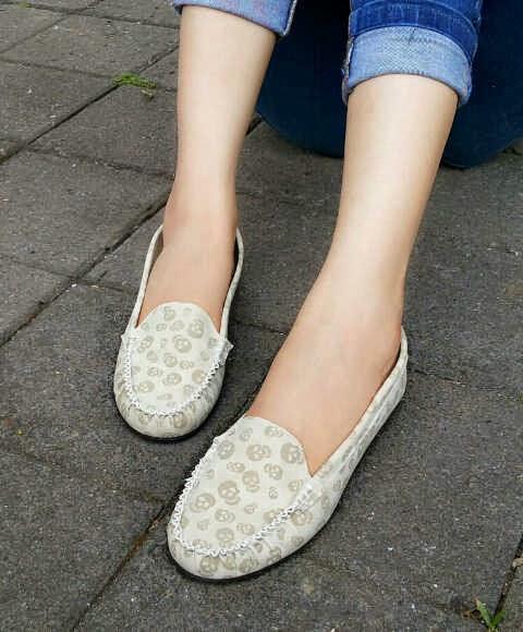 Sepatu wanita flat shoes