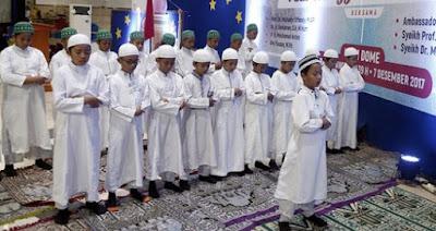 Viral, Dubes Arab Saudi Menghadiahi Haji Plus Umrah Bagi Yang melaksanakan Shalat Sejak Usia 7 Tahun