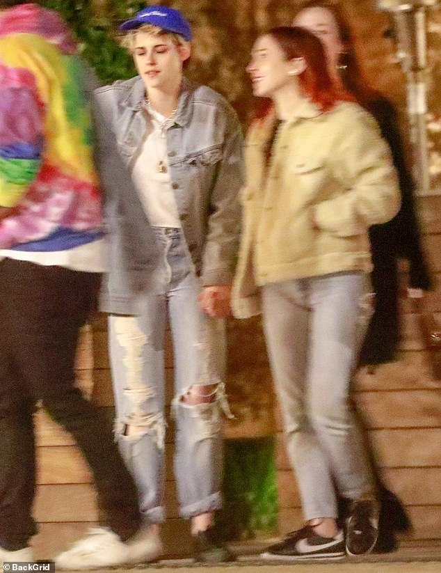 Kristen Stewart and girlfriend Sara Dinkin step out in matching outfits as they enjoy a dinner date