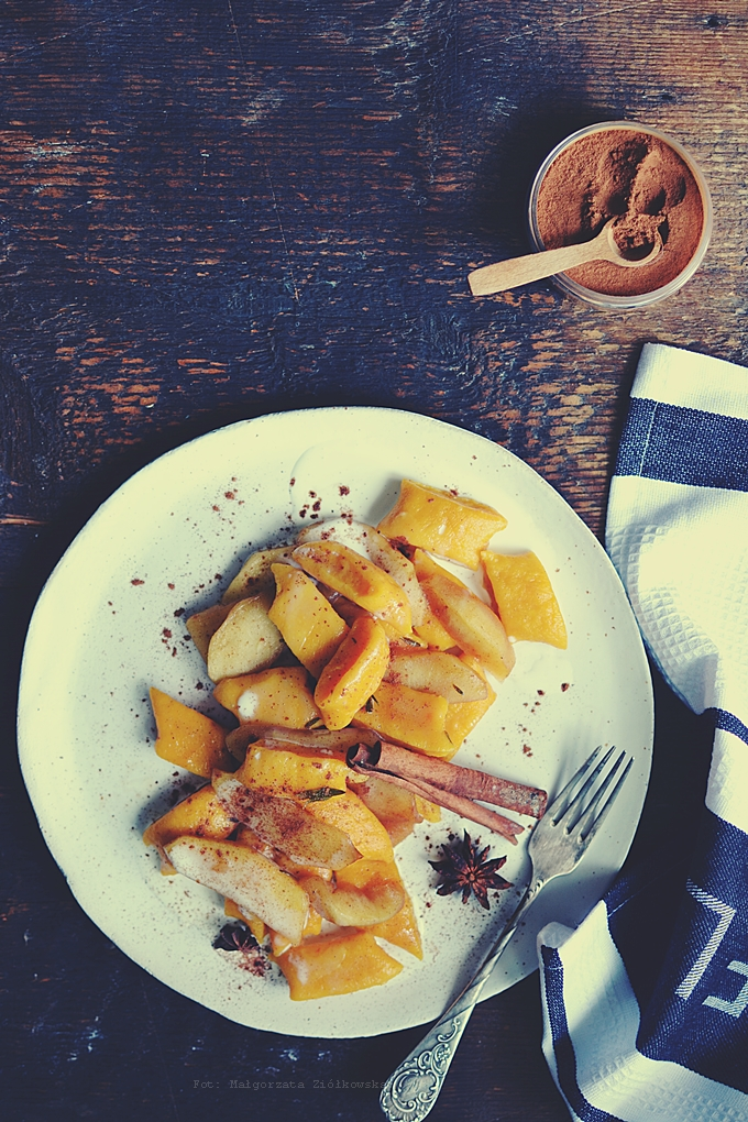 Dyniowe leniwe z karmelizowanymi jabłkami