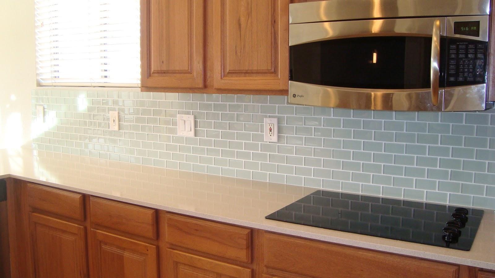 Displaying 17 gt images for light blue glass tile backsplash