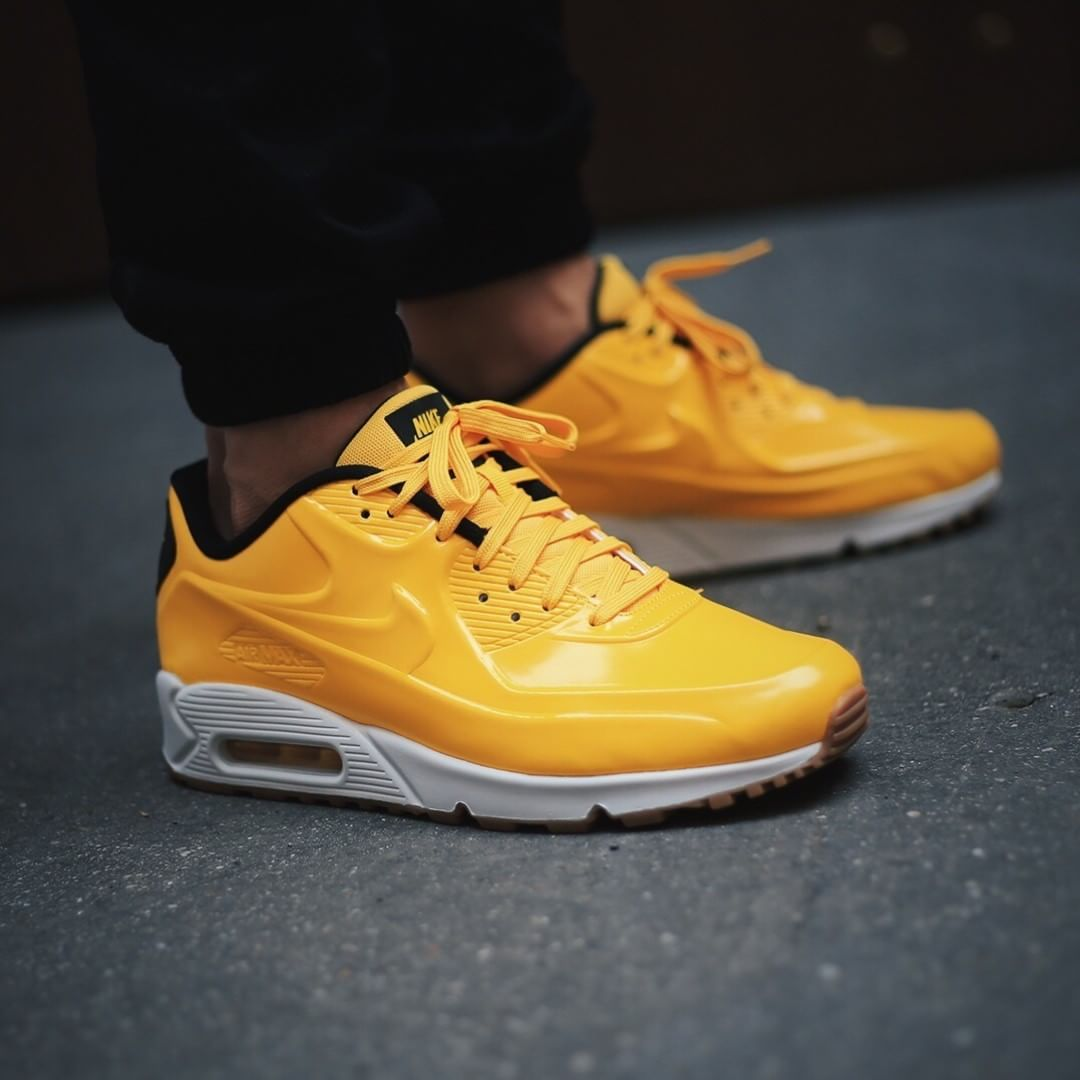 823bb102281f SPORTSWEAR FIX   Nike Air Max 90 VT Quickstrike  VARSITY MAIZE .