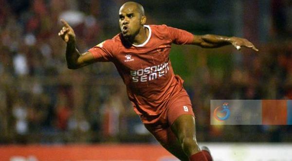 Striker PSM Makassar Reinaldo da Costa akan Berkostum Persib Bandung?
