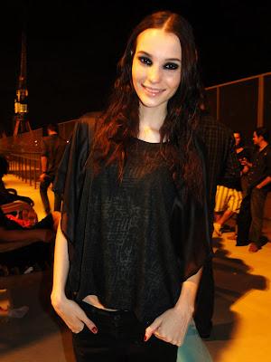 A new face Mariana Fassarella, 20 anos, modelo da Agência MEGA Model de São  Paulo fez todos os 23 desfiles do Fashion Rio e ainda fez um exclusivo para  a ... 3d0dbfbcd4
