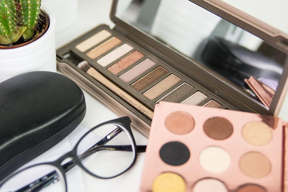 Make Up Tipps bei Kurzsichtigkeit Farben und Finishes