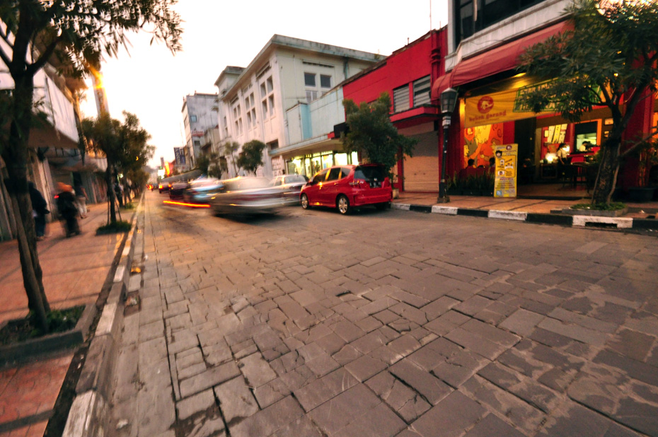 Jalan Modern Jalan Braga Bandung Doyan Jalan