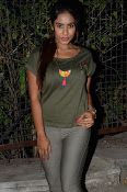 sri reddy latest sizzling pics-thumbnail-10