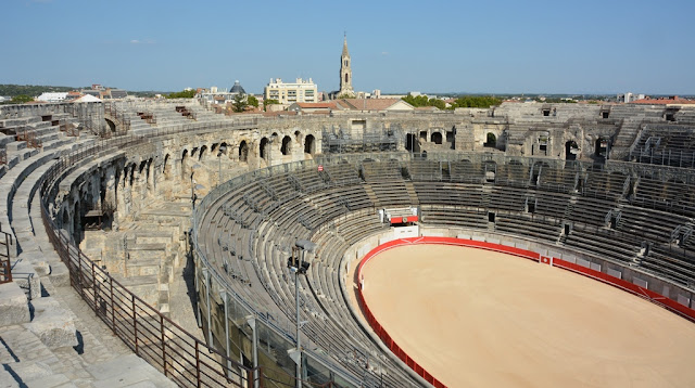Arena Nimes full view