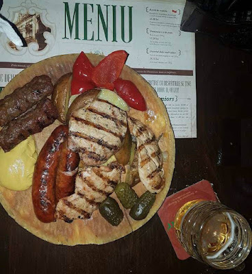Il cibo in viaggio: dove mangiare a Bucarest