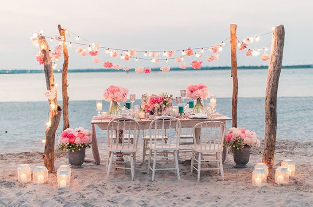 Idyllic Tables and Weddings on The Beach 1